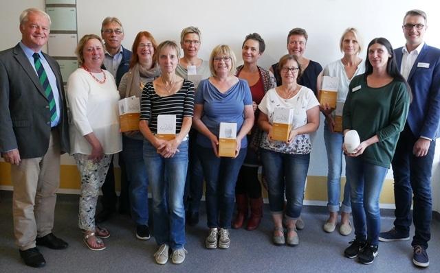 Christophorus-Kliniken Foerderverein spendet Aromalampen - zusaetzlicher Einsatz in der Pflege