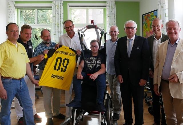 Christophorus-Kliniken Sozialpaediatrisches Zentrum SPZ Uebergabe Patientenlifter BVB und VR-Bank