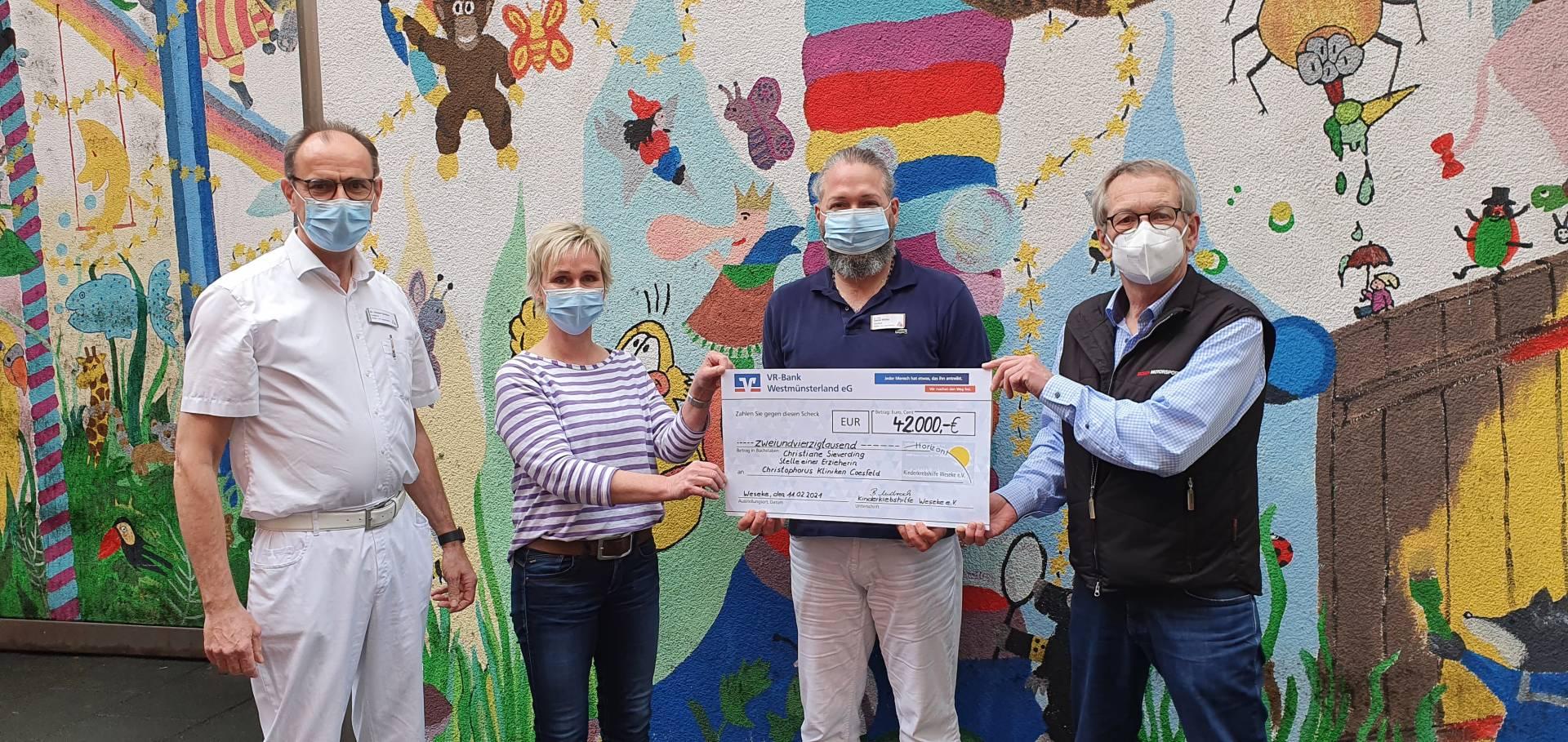 Christophorus Kliniken Kinderklinik Kinderkrebshilfe Weseke spendet für Stelle von Betreuerin Christiane Sieverding