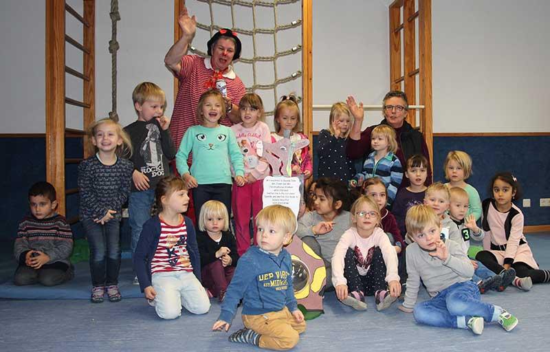 """DRK-Kindergarten """"Kleine bunte Welt"""" spendet für Clown Max"""
